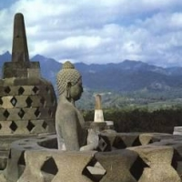 2_Indonesia_Volcanoes_Temples